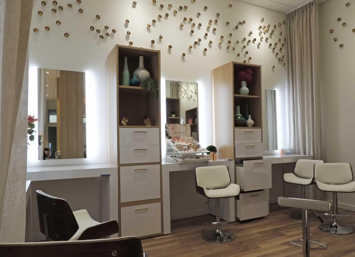 https://jmusselmanconstruction.com/wp-content/uploads/2020/08/2-Colur-Makeup-room.jpg
