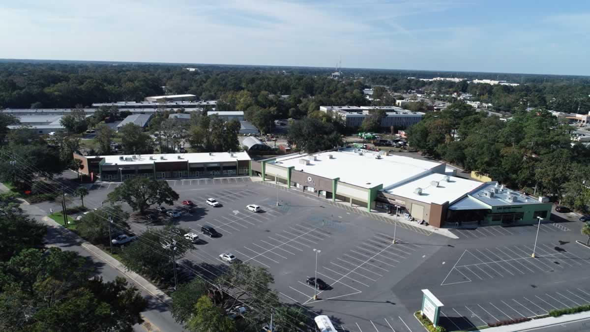 https://jmusselmanconstruction.com/wp-content/uploads/2020/08/8-Complete-shopping-center-sky-view-2-e1571162965960.jpg