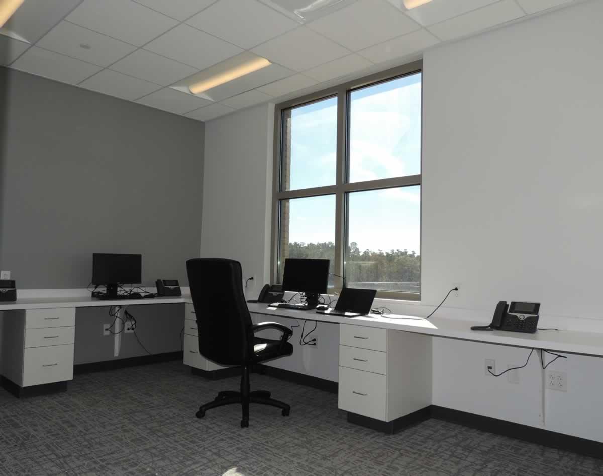 https://jmusselmanconstruction.com/wp-content/uploads/2020/08/Roper-MOB-office.jpg