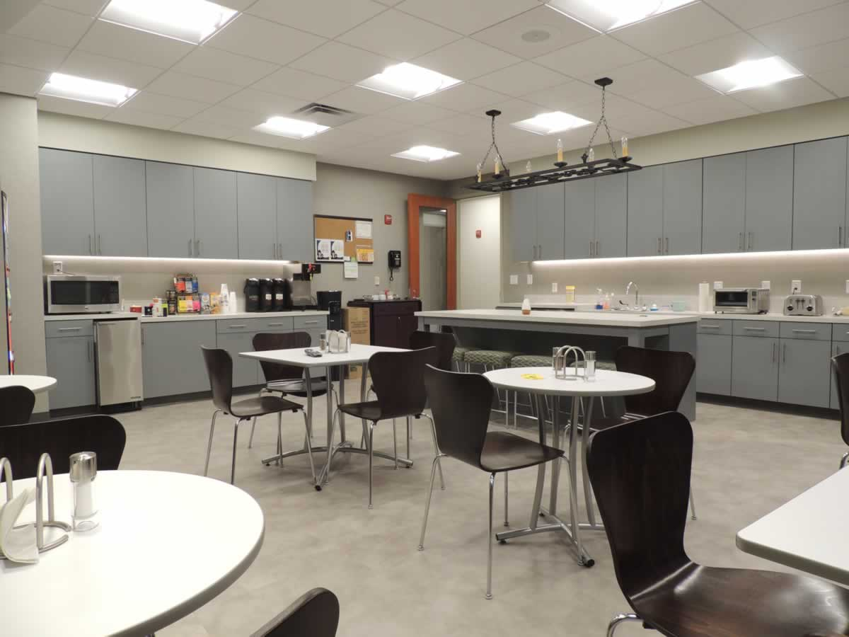 https://jmusselmanconstruction.com/wp-content/uploads/2020/10/TP-Kitchen.jpg