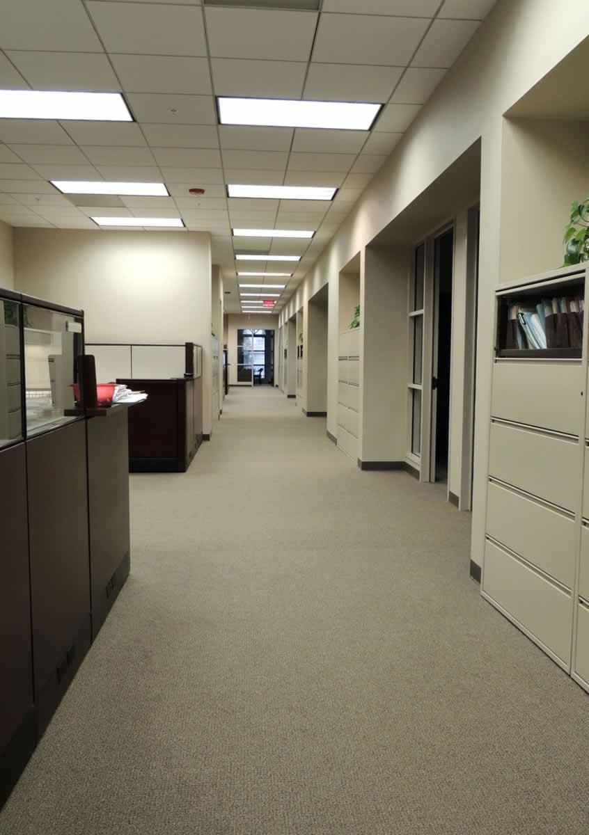 https://jmusselmanconstruction.com/wp-content/uploads/2020/10/hall-with-offices-vert.jpg