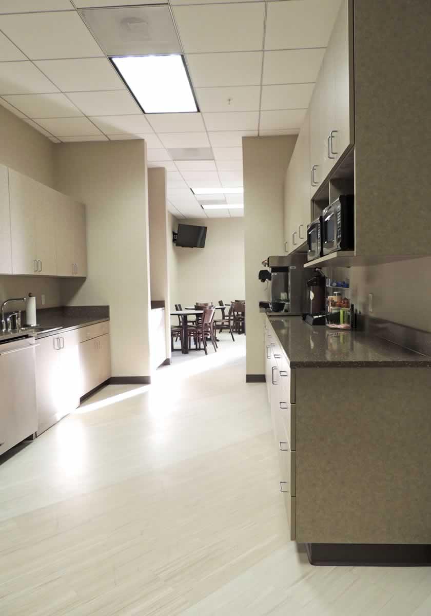 https://jmusselmanconstruction.com/wp-content/uploads/2020/10/kitchen-vertical.jpg